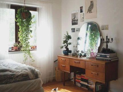 美式风格卧室原木色梳妆台设计效果图