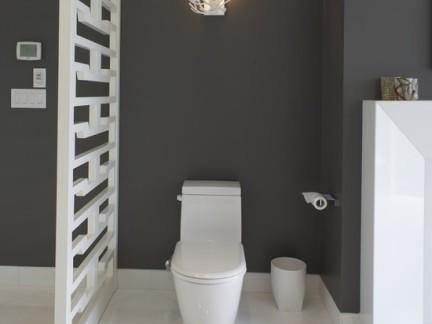工业风格四居室卫生间白色隔断特效