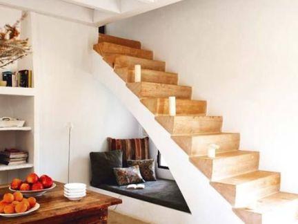 现代简约大户型别墅客厅楼梯设计特效