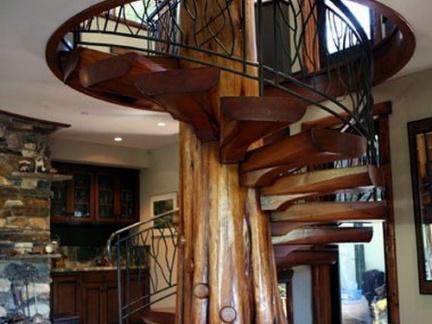 创意设计风格客厅原木色楼梯效果图