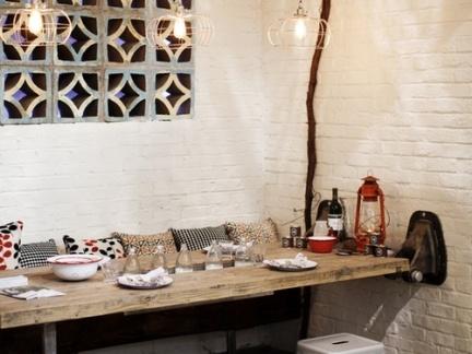 后现代系列餐厅白色墙面瓷砖图片欣赏