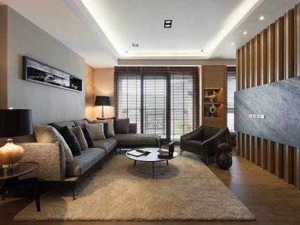 新中式客厅原木色电视墙装修效果图