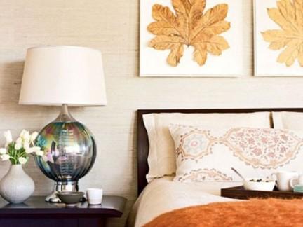 现代简约温馨米色卧室床头装饰画案例欣赏