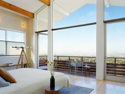 明亮暖意现代别墅北欧卧室阳台效果图