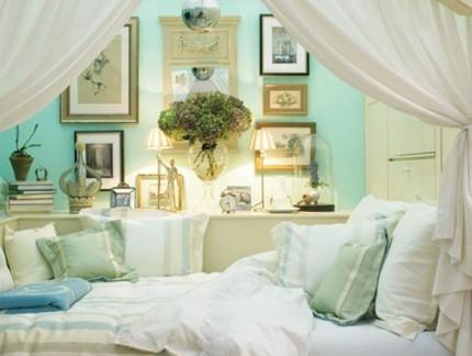 地中海风格卧室配白色榻榻米床装修效果图