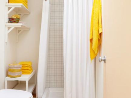 时尚简约卫生间淋浴间白色浴帘装修设计