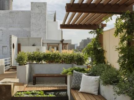 现代中式风格露天阳台配原木色隔断装修效果