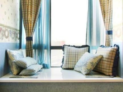地中海风情客厅白色面榻榻米装修效果图欣赏