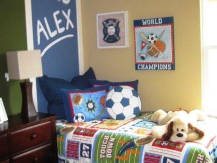 美式儿童房原木色实木床头柜图片欣赏