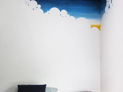 时尚现代小户型卧室白色墙漆装修设计