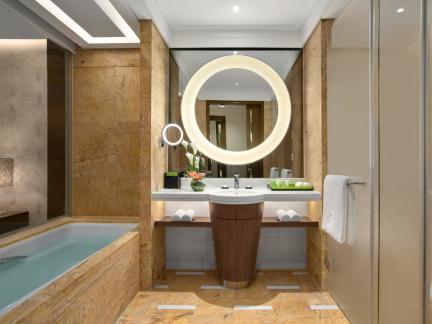 时尚创意设计卫生间淋浴间黄色墙面瓷砖图片欣赏