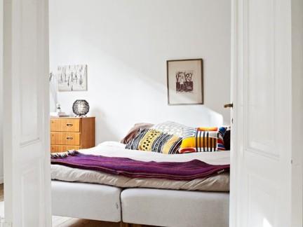 简洁白色现代风格卧室门样板间