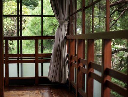 简欧风格阳台米色窗帘效果图