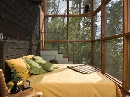 封闭阳台温暖黄色床设计图