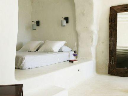 简约风格卧室白色榻榻米装修实景图