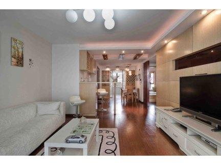 现代简约室内设计客厅白色沙发装修效果图