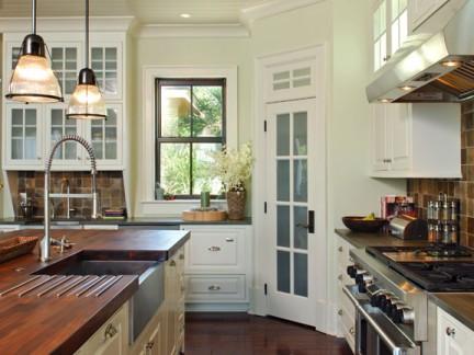 美式田园风别墅木质厨房装潢设计