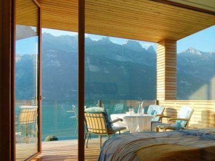 宽敞大气卧室阳台效果图欣赏