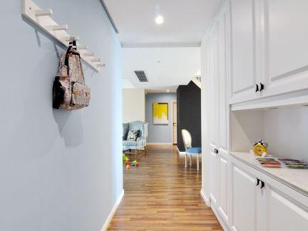 白色时尚创意北欧风格玄关装修设计