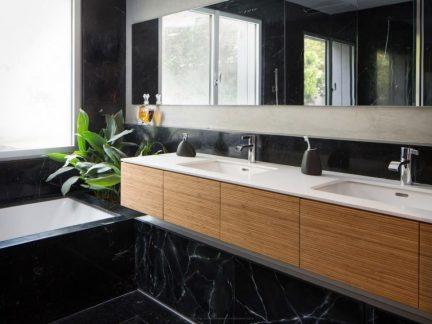 清爽大气简约风格卫生间洗手台效果图