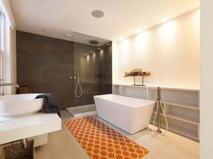 大气简洁现代风格卫生间浴缸装修图片