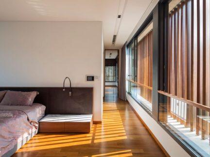 内敛温润现代风格卧室床头柜装修图片