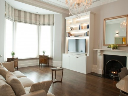 大气优雅美式风格客厅飘窗装修图片
