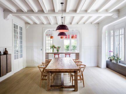恬淡优雅简欧风格餐厅原木餐桌效果图