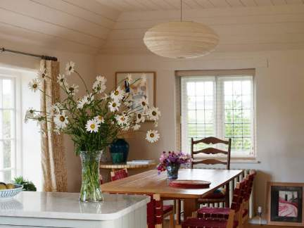 自然甜美田园风格原木色餐厅装修图片