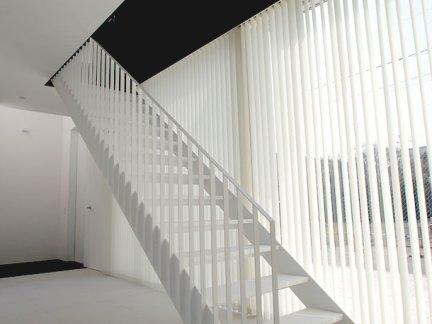 时尚高雅现代风格白色楼梯装修效果图
