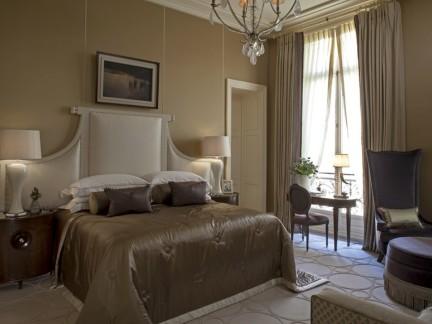 淡雅气质欧式风格温馨卧室装修设计