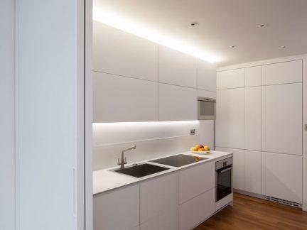 简约风格时尚纯白厨房装修效果图