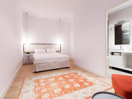 文艺北欧风格白色温馨卧室装修实景图