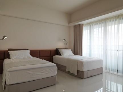现代简约风格时尚白色卧室装修图片