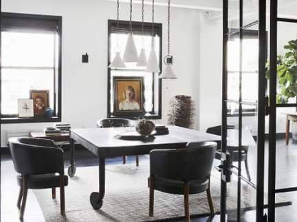 工业风格精致餐厅优雅吊灯装修图片