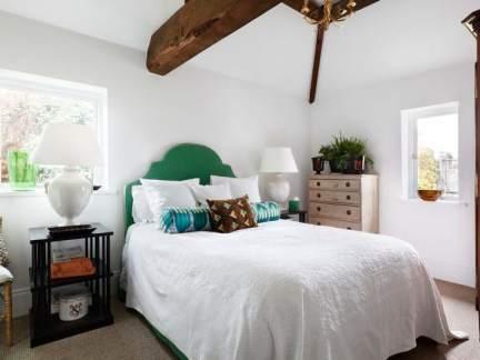 休闲美式风格优雅卧室床头柜效果图