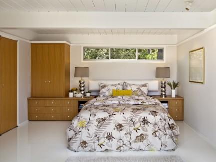 自然清新混搭风格原木卧室装修设计