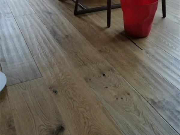 多喜爱 原木至尊 三层实木复合地板工厂直销 橡木