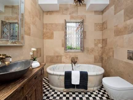 复古混搭风格卫生间浴缸装修效果图