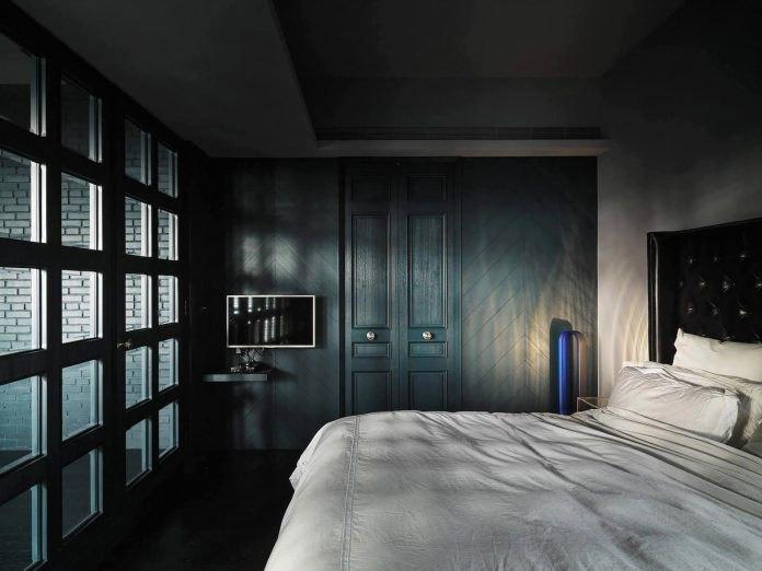 新古典风格深沉暗色系卧室装修实景图