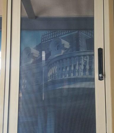 意美达牌平开式可拆洗金刚网防盗防护纱窗
