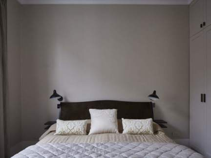 简约风格素净舒适灰色系卧室装修效果图