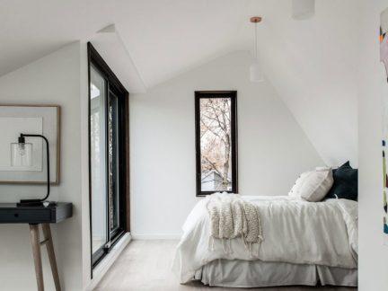 简约风格宁静舒适白色调卧室实景图