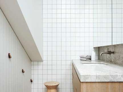 极简风格实用大气卫生间装修效果图