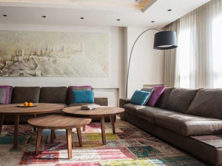 现代风格温馨活泼客厅茶几装修效果图