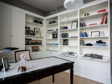简约书房白色素雅书柜效果图
