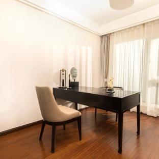 新中式风格三居室书房装修效果图