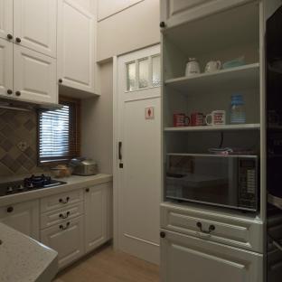 西式古典三居室厨房装修效果图
