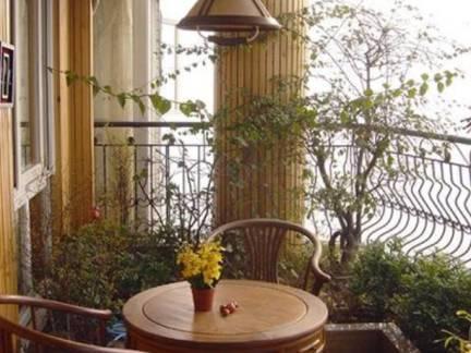 棕色唯美田园风格阳台灯具装修设计图
