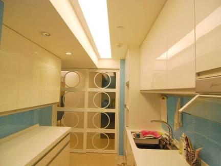 米色现代风格厨房吊顶装修图片